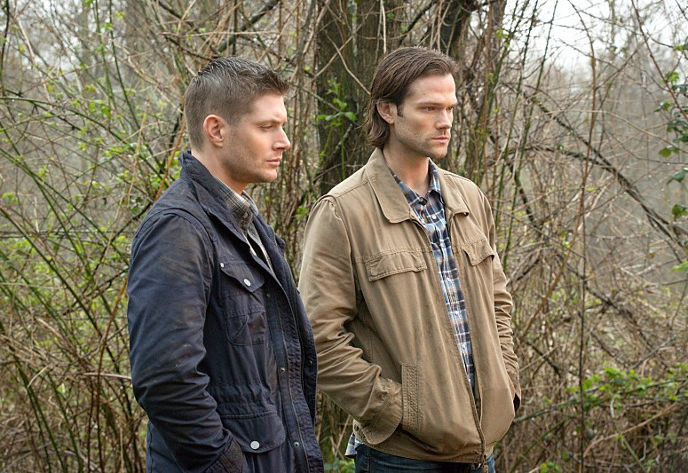 10x22 The Prisoner - Sam & Dean sad