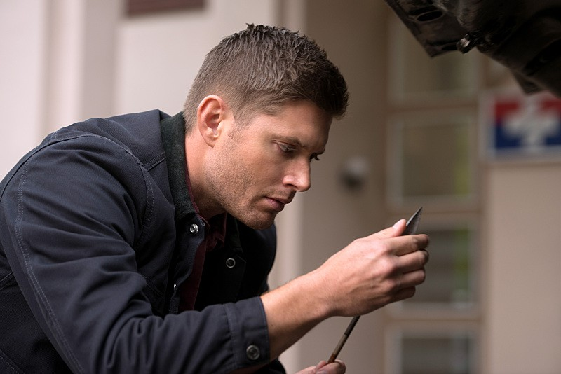 "Supernatural -- ""Out of the Darkness, Into the Fire"" -- Image SN1102B_0098.jpg -- Pictured: Jensen Ackles as Dean -- Photo: Diyah Pera/The CW -- © 2015 The CW Network, LLC. All Rights Reserved."