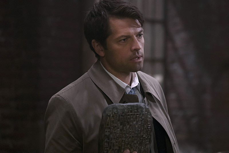 castiel with tablet 11x06