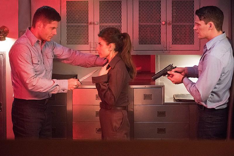 11x14 the vessel dean Weronika Rosati as Delphine, and Grant Harvey as Petey