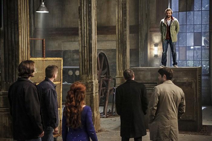 supernatural-11x22-we happy few-chuck-god-sam dean rowena crowley castiel lucifer with-everyone-else-hell2
