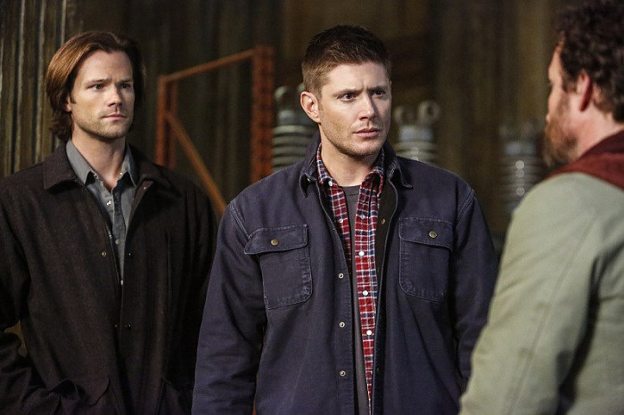 supernatural-we happy few- 11x22-chuck-god-winchesters2