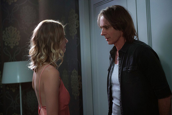 12x02-mamma-mia-emma-johnson-as-jennifer-and-rick-springfield-as-vince-vincente