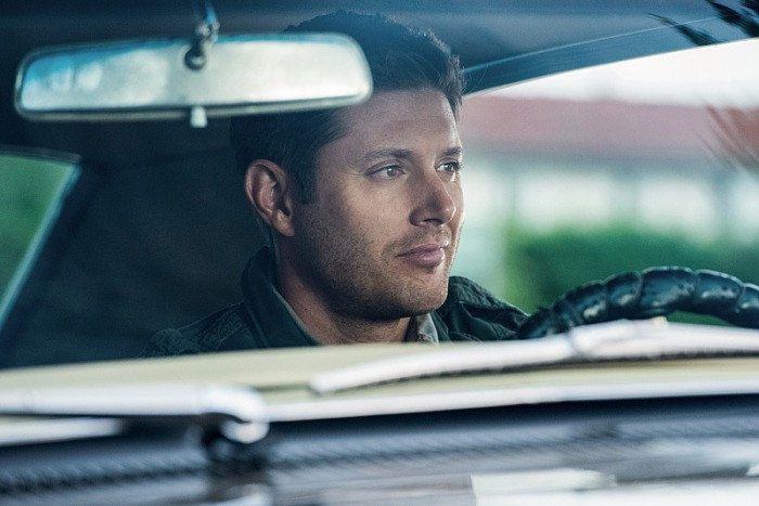 12x03-the-foundry-jensen-ackles-as-dean-impala-smiling