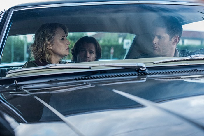 12x03-the-foundry-samantha-smith-as-mary-winchester-jared-padalecki-as-sam-and-jensen-ackles-as-dean-impala