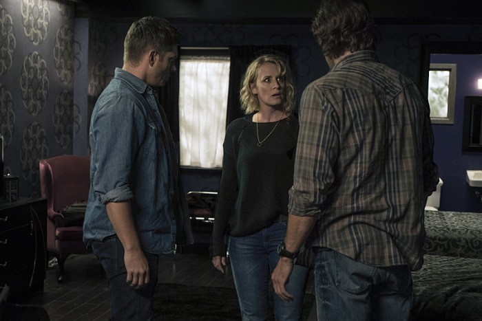 12x03-the-foundry-samantha-smith-as-mary-winchester-jared-padalecki-as-sam-and-jensen-ackles-as-dean-room