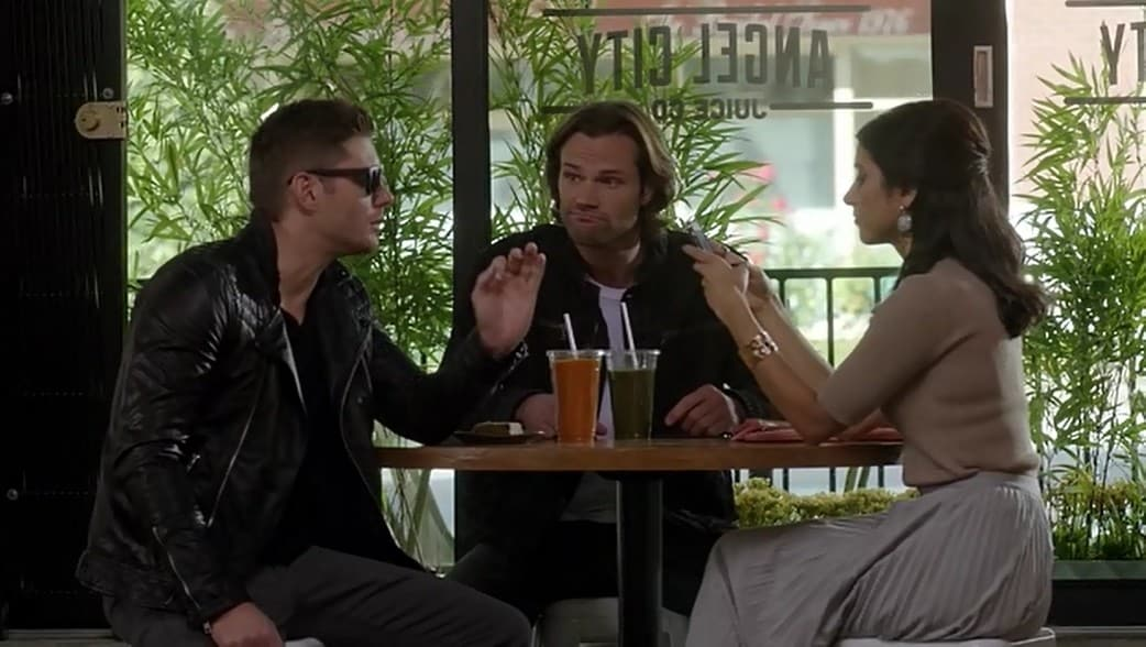 12x07-rock-never-dies-sam-dean-rock-style-sunglasses